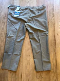 Lee Men's Pants Total Freedom Size 52 X 32 Relaxed Fit Beige