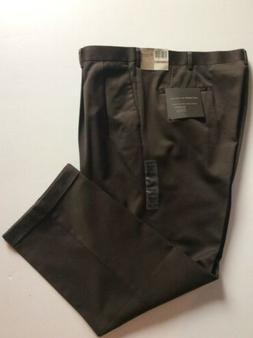 Dockers Premium Men's Sz 42x30 Pleated Cuffed Pants Relaxe